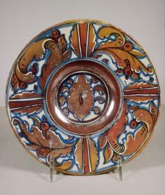 Dish with Foliage Design