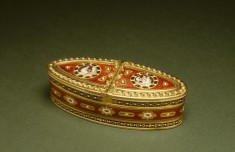 Double Oval Snuffbox