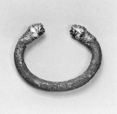 Bracelet with Lion Heads