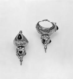 Pair of Palmyrene Type Earrings