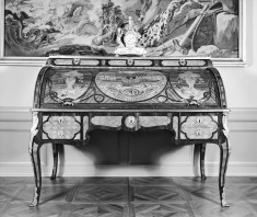 Roll-Top Desk Depicting the Chateau of Saint Maur