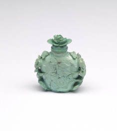 Snuff Bottle with Camellia Blossoms