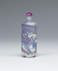 Snuff Bottle with glaze that  imitates marble