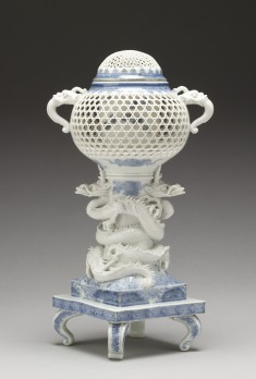 """Incense Burner (""""Koro"""") Supported by Entwined Dragons"""
