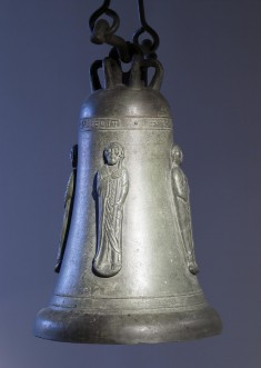 Bell with Apostles