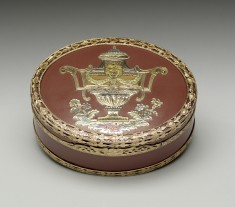 Oval Snuffbox with Classical Urn