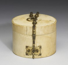Cylindrical Box with Incised Decoration