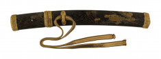 Dagger (aikuchi) with saya and tsuka of wood with autumn flowers and graining in gold lacquer. (includes 51.1272.1-51.1272.2)