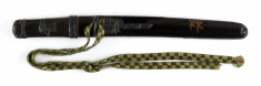 Dagger (aikuchi) with black lacquer saya decorated with bamboo in gold lacquer (includes 51.1276.1-51.1276.4)