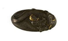 "Kashira with a ""Namazu"" (Earthquake Fish)"