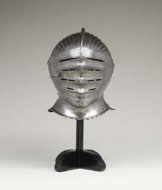 "Close Helmet of the ""Maximilian"" Style"